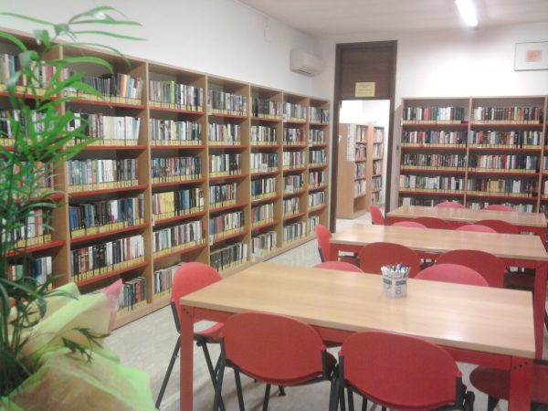 La biblioteca amplia l'orario di apertura