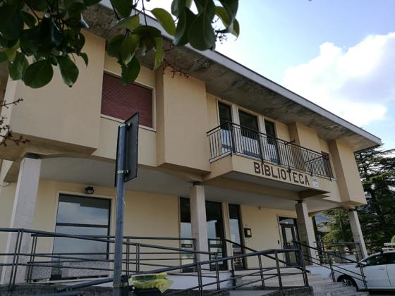 La biblioteca riapre per prestiti e restituzioni